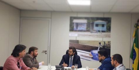 Indicado para diretoria da Anvisa, Rodrigo Sérgio Dias, recebe membros do Sinagências